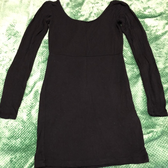 Forever 21 Dresses & Skirts - Simple Black Short Dress